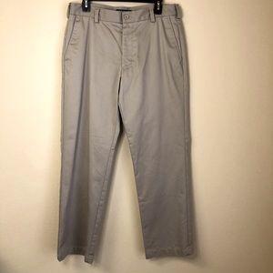 Izod Chinos Slim Fit - Size 33 x 30